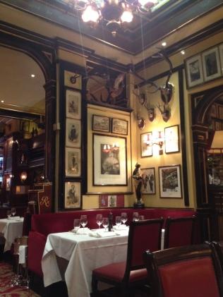 Ambiance feutrée au restaurant Rules à Londres - ©Chloé Chateau