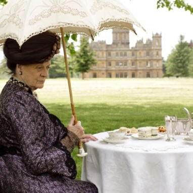 Downton Abbey - Lady Violet Crawley having tea - DR