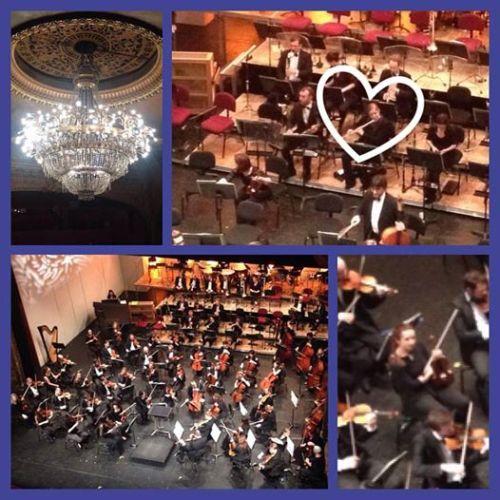 La flûte solo Caroline Marchesseau s'échauffe avant un concert au Grand Théâtre de Tours - ©Chloé Chateau