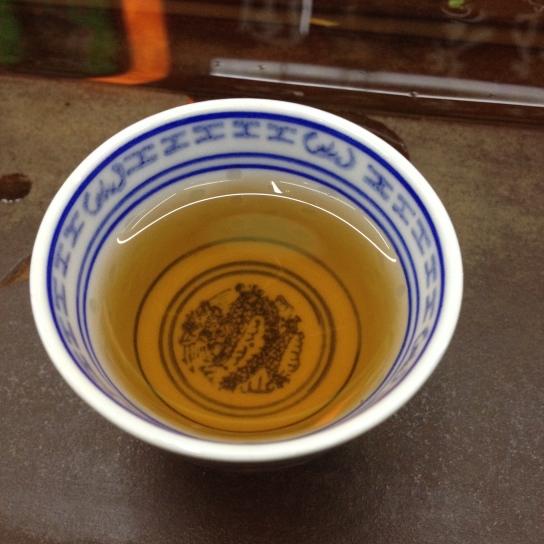 Une tasse de pu-erh âgé - ©Chloé Chateau
