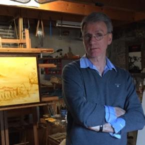Le peintre Bernard Fièvre dans son atelier à Tours - ©Chloé Chateau