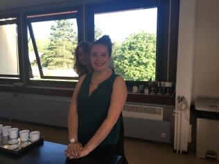 Maëva Spitz et Marine Sonié lors du petit-déjeuner chez Dammann Frères - ©Chloé Chateau