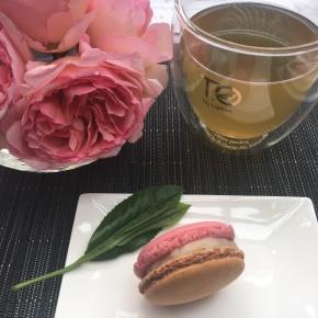 Concours TOxPHP : gagnez une boîte de macarons Jardin Oriental de Pierre Hermé avec TO by Lipton - ©Chloé Chateau