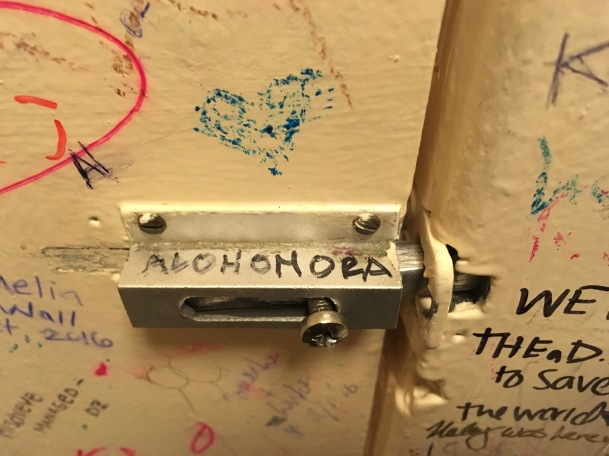 The toilets of the Elephant House in Edinburg - Alohomora- ©Chloé Chateau
