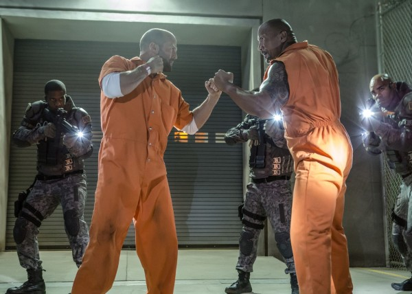 Fast And Furious 8 - Jason Statham and Dwayne Johnson prison fight