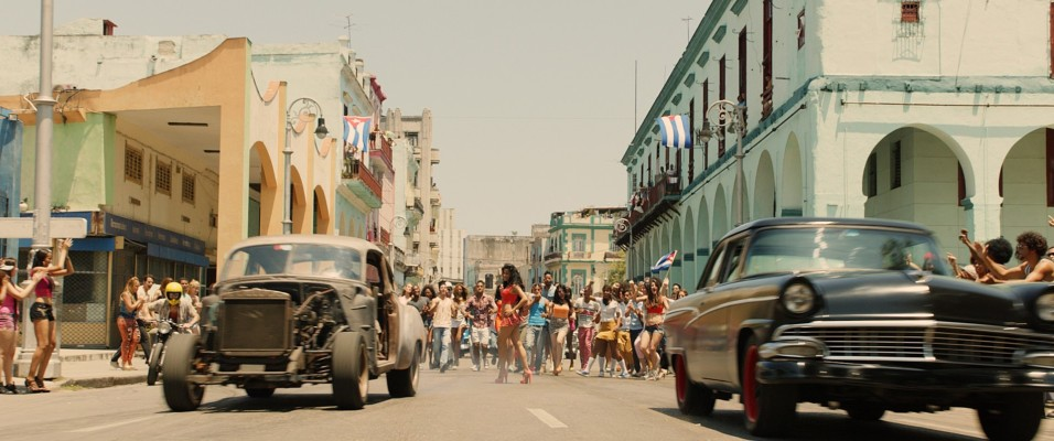 Fast and Furious 8 - The Fate of the Furious - Car race in Cuba