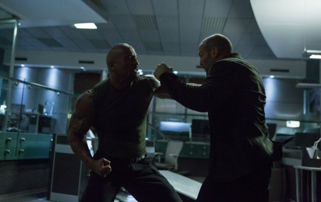 Fast and Furious 7 - Dwayne Johnson and Jason Statham fight