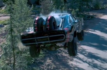 Fast and Furious 7 - Cars dropped from a plane get on land